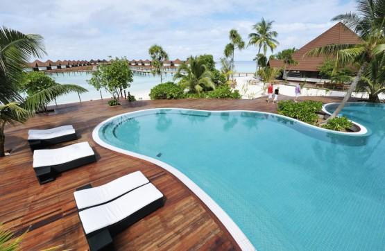 Robinson Club Malediven Pool2