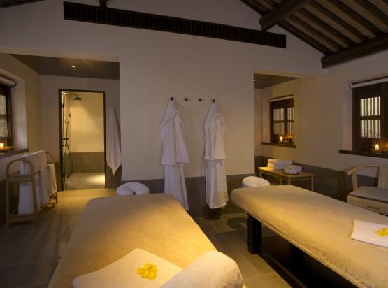 Amanfayun - Deluxe Suite Massage Room